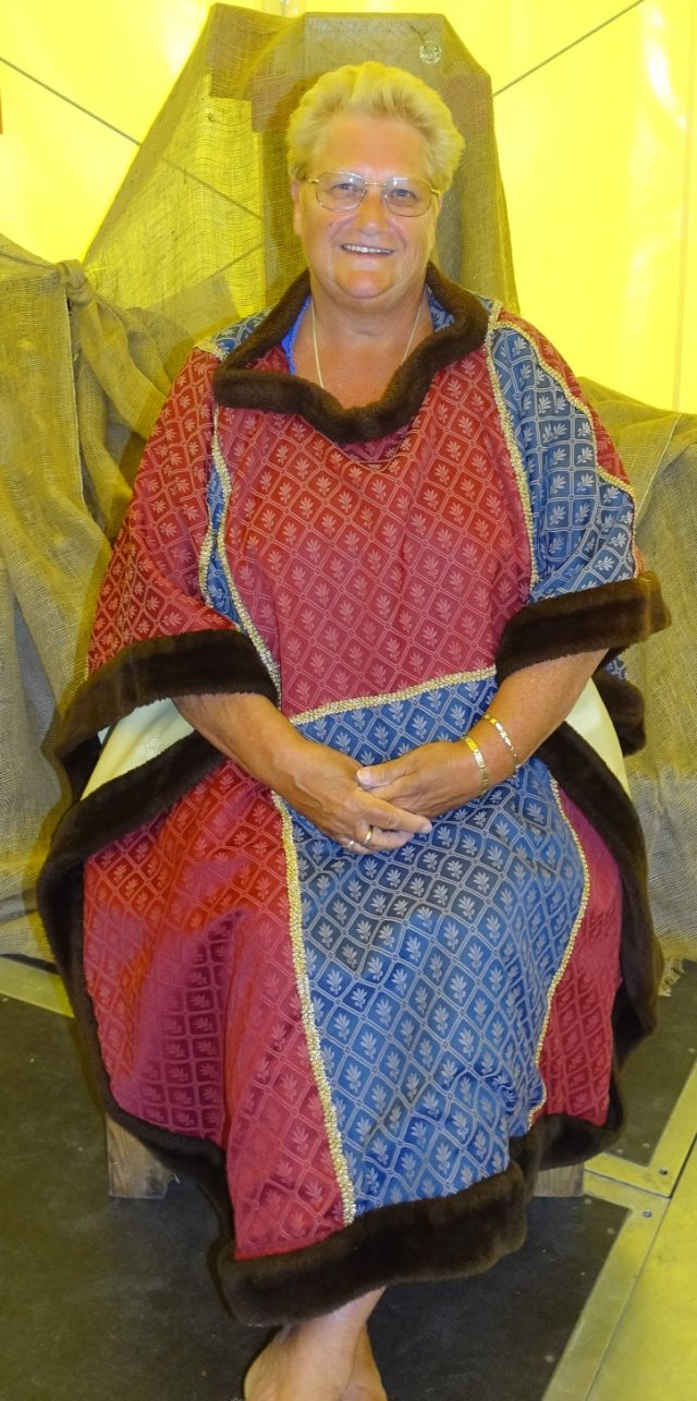 Mary robe