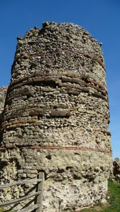 Pevensey Castle roman 3